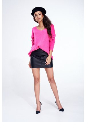 NEON V-NECK SWEATER ILM P002