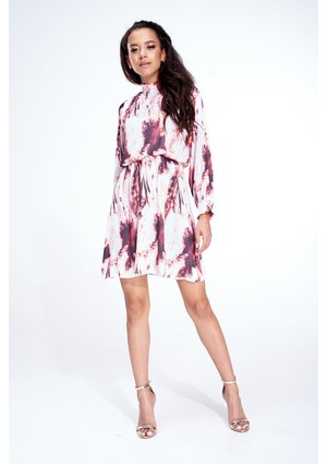 SATIN HIGH NECK DRESS IN POWDER PRINT