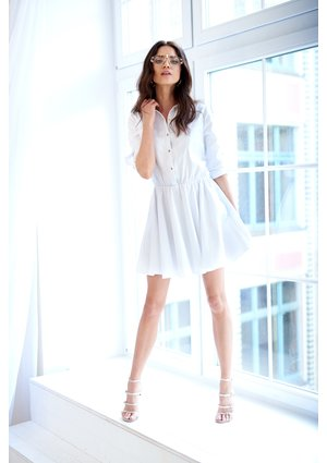 WHITE DRESS WITH COLLAR