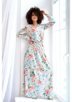 MAXI DRESS IN SPRING FLOWERS PRINT