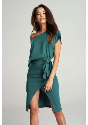 MIDI DRESS WITH LOOSE TOP
