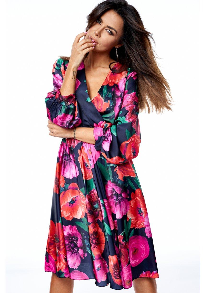 Sukienka MIDI z satyny w kwiaty