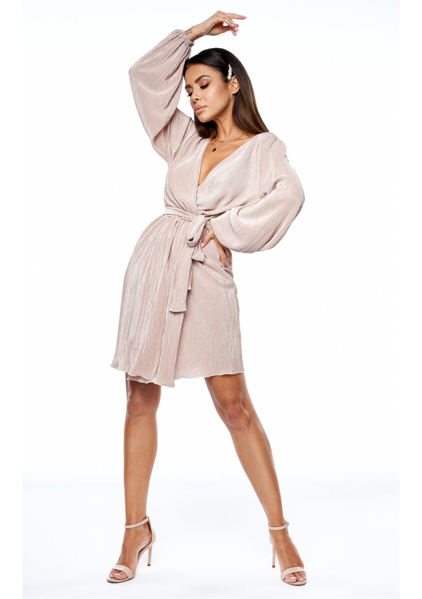 Kopertowa sukienka plisowana Nude - Mosquito
