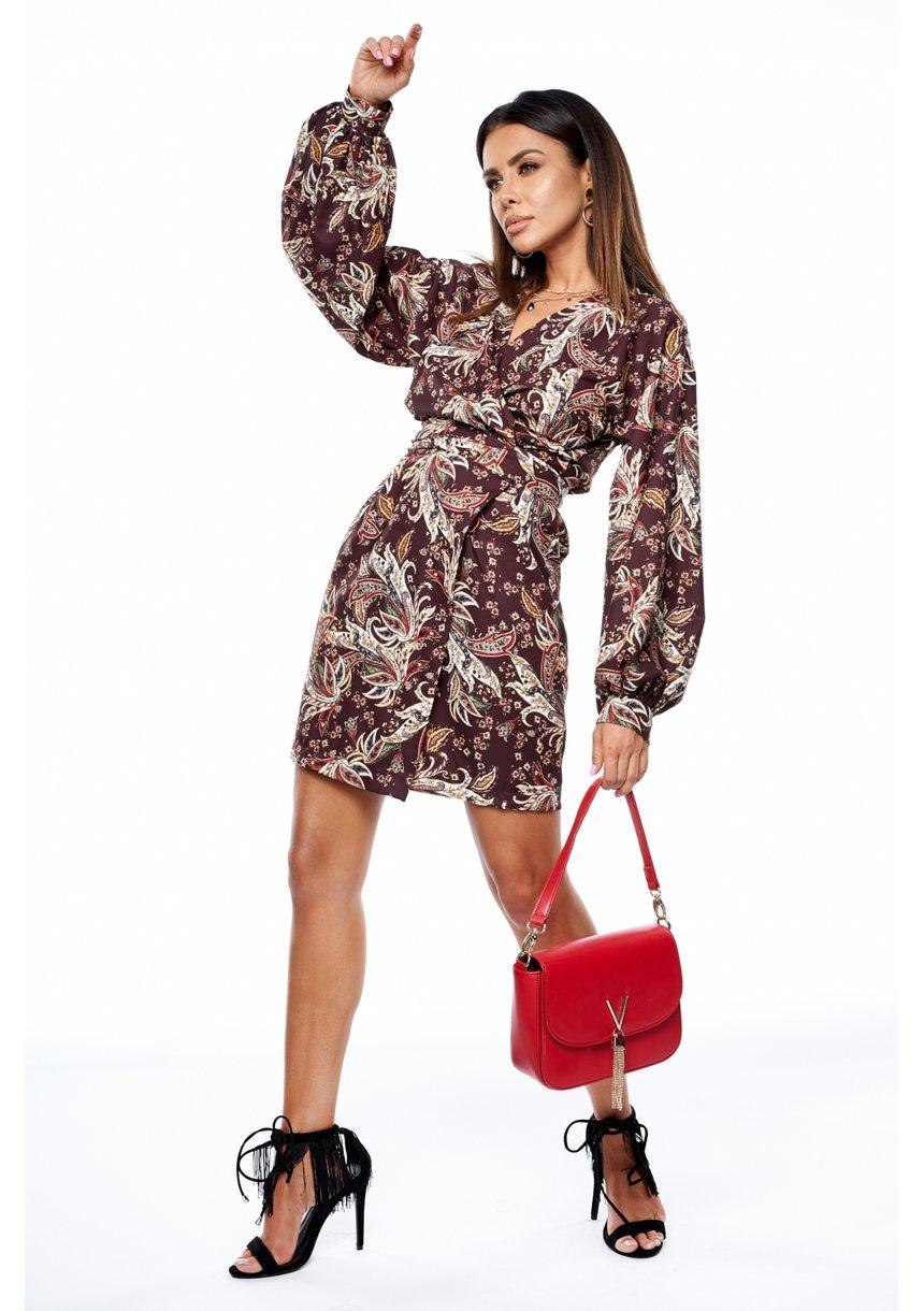 Sukienka z szerokim rękawem w jesienny print