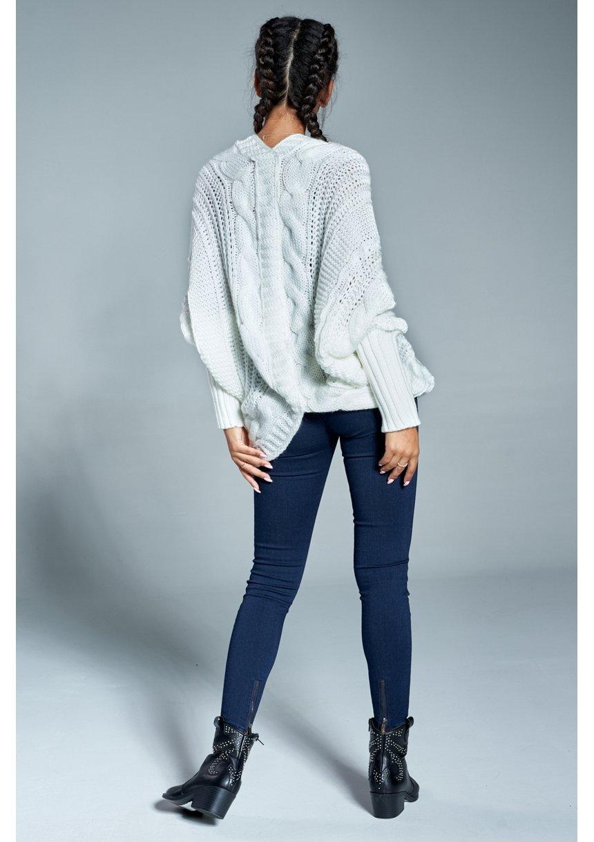 Sweter narzutka z warkoczem A15 Kremowy ILM