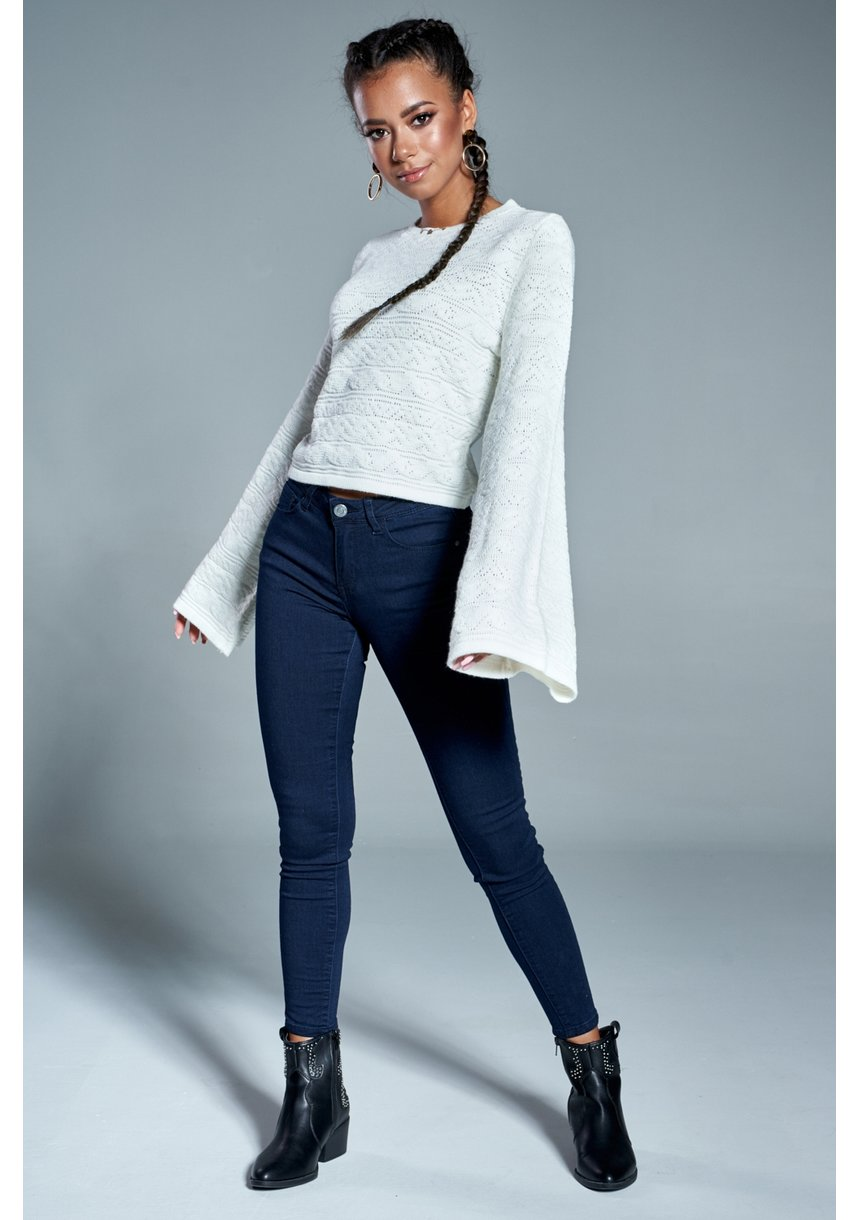 Sweter ażurowy z poszerzanym rękawem A Kremowy ILM
