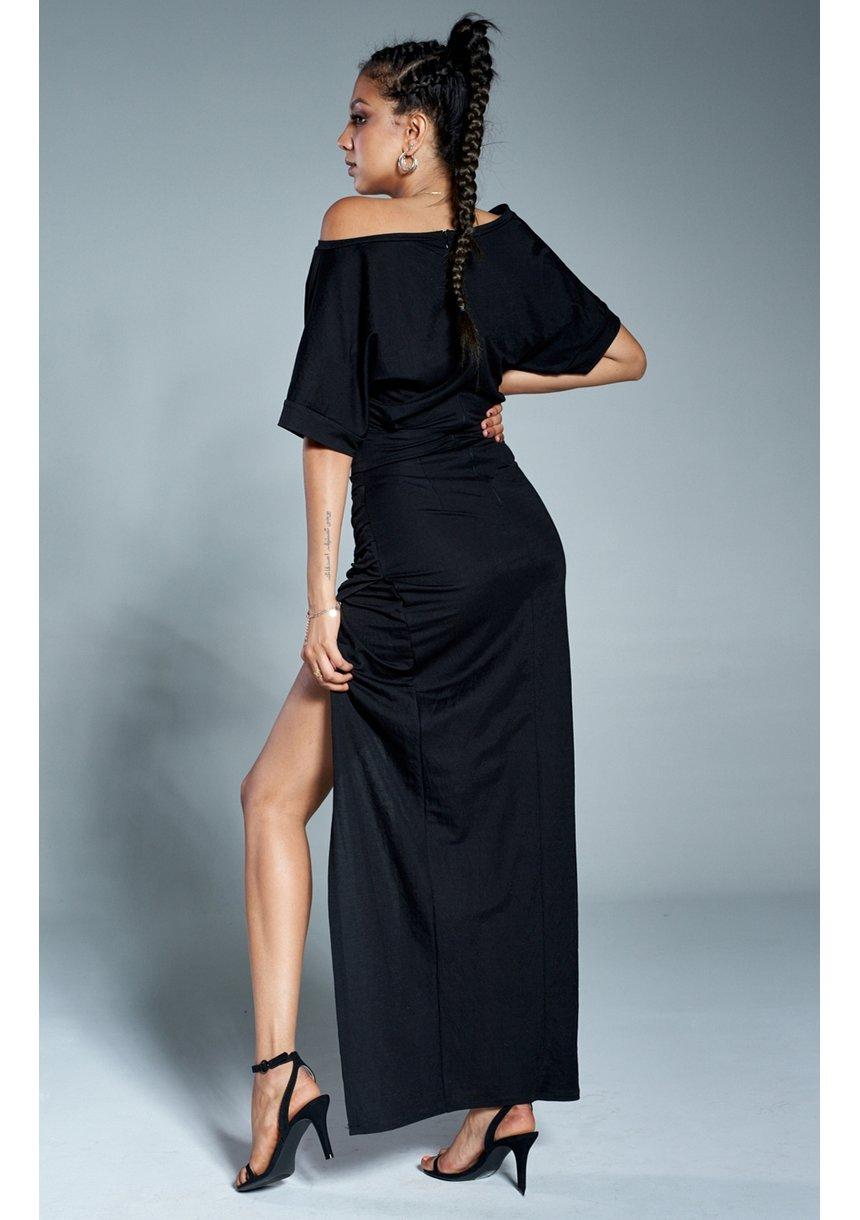 Dopasowana sukienka maxi z kimonową górą Czarna