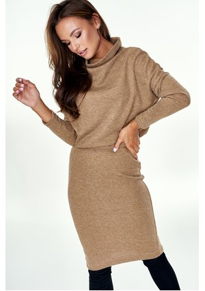 BEIGE SWEATER SKIRT WITH TURTLENECK TOP