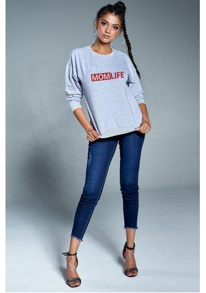 "Bawełniana bluza ""Red mom life"" szara ILM"