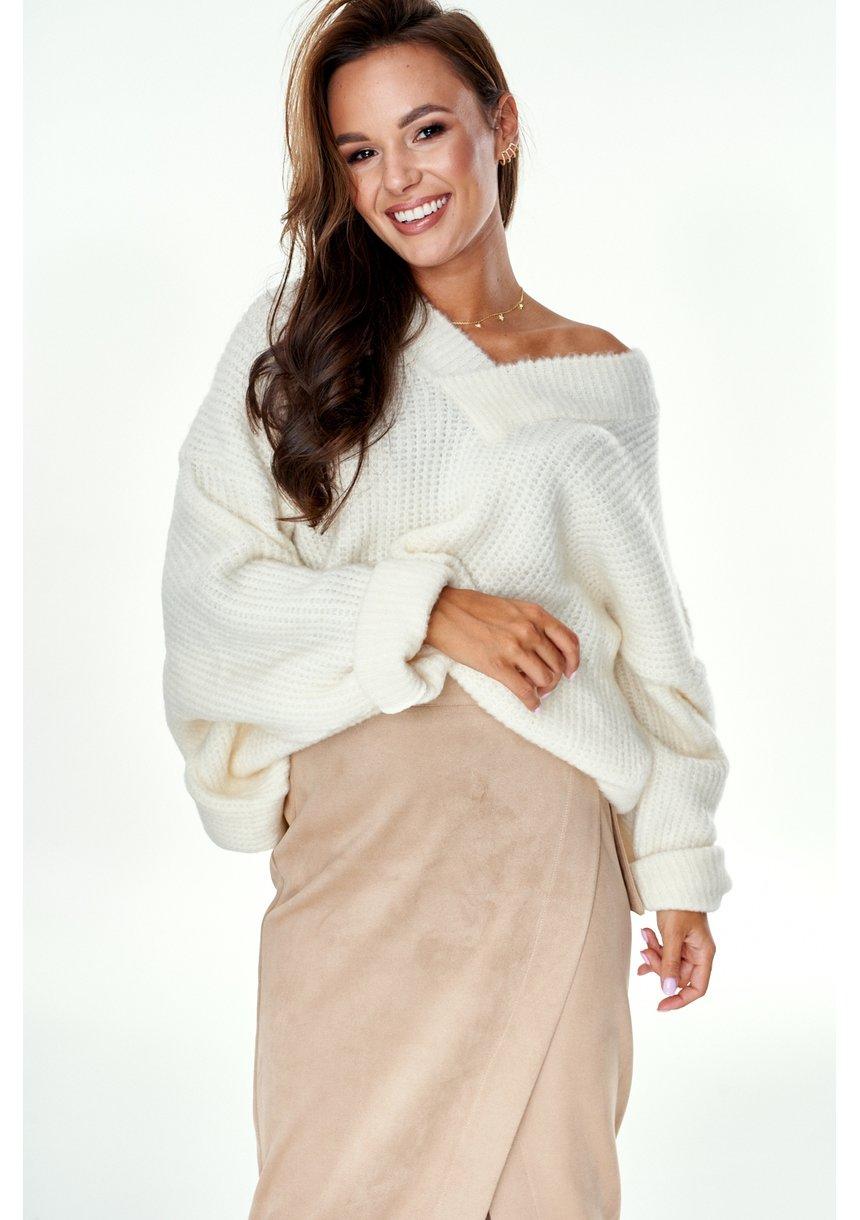 Sweter oversize z dekoltem V A006 Kremowy ILM