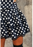 Sukienka z paskiem w Grochy