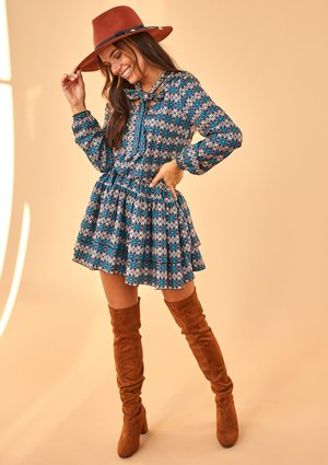 BLUE PRINT DRESS WITH BOW