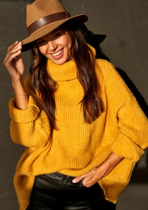 MUSTARD TURTLENECK SWEATER A007 ILM