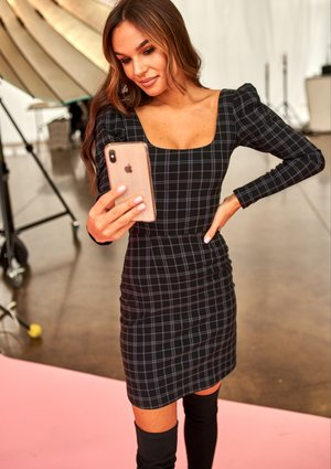 PUFF SHOULDERS MINI DRESS IN BLACK CHECK PRINT