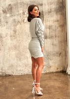 Marszczona sukienka z luźną górą Srebrna