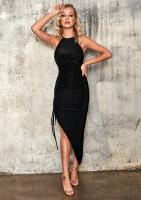 Dopasowana sukienka z asymetrią Czarna