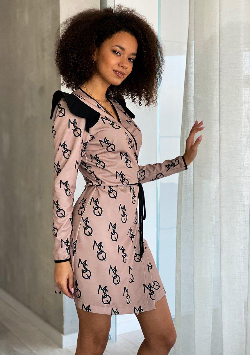 Kopertowa sukienka MSQ print Beżowa