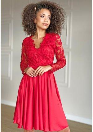Rozkloszowana sukienka z gipiurą Czerwona