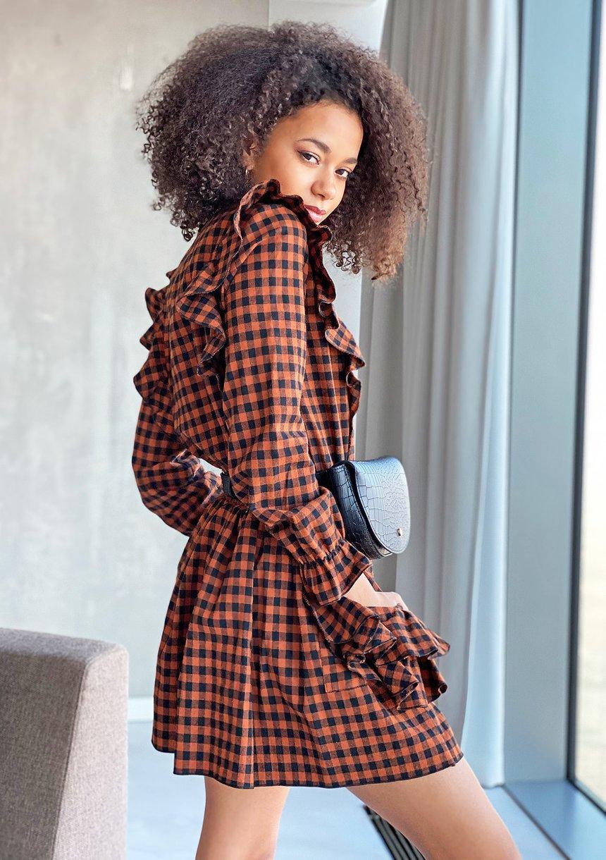 Sukienka z falbanami w kratkę Brązowa