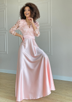 Sukienka maxi z gipiurą Pudrowa