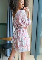 Sukienka z falbaną w kwiaty Chifon Pudrowa