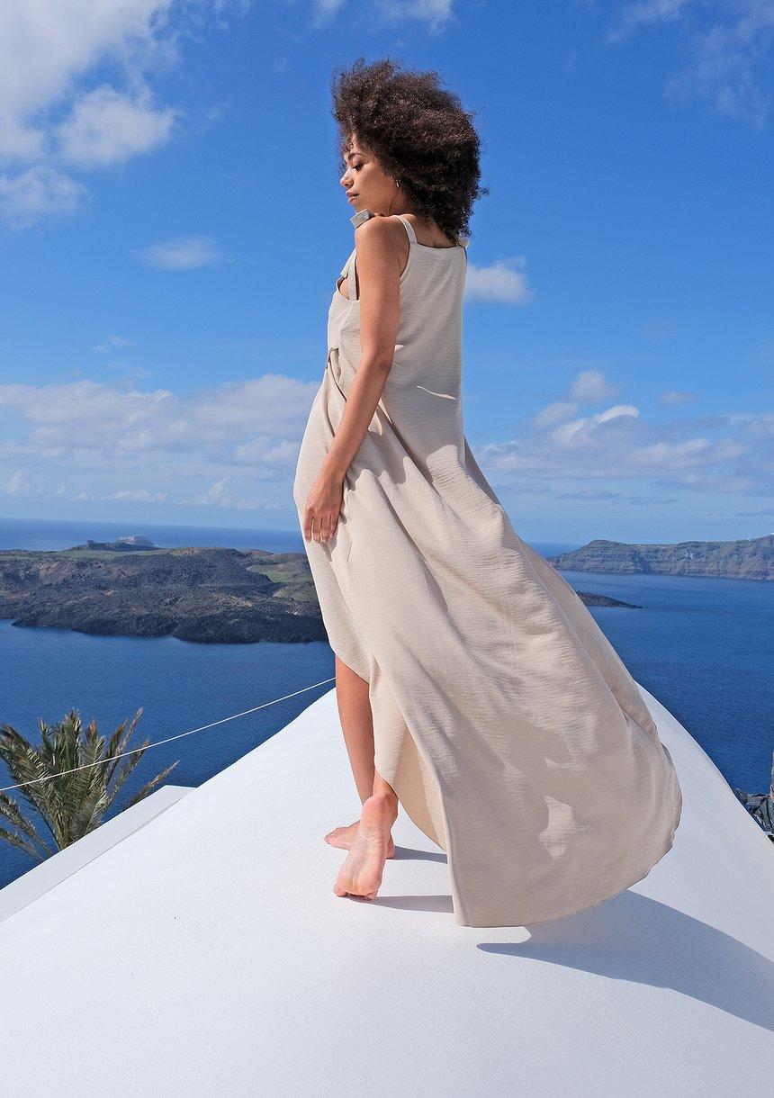 Sukienka maxi wiązana na ramionach beżowa