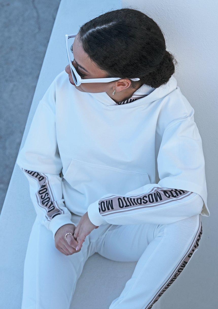 Kremowa bluza z lampasem logo ILM