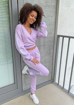 Lilac sweatpants with side strap ILM