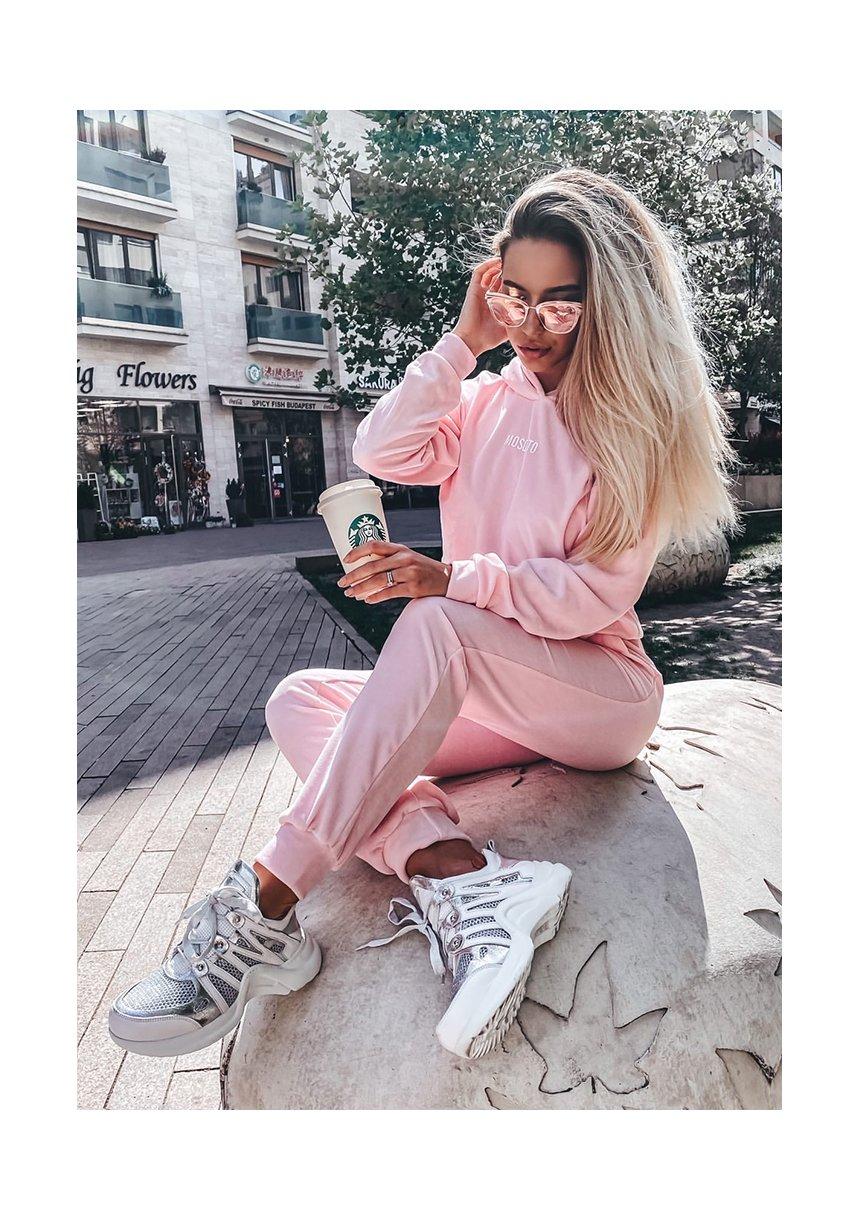 Welurowe spodnie w kolorze Pink ILM