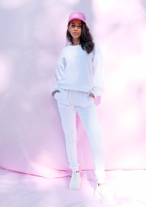 White velvet straight cut sweatpants ILM