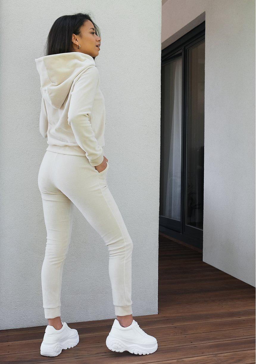 Bluza velvet z kapturem i złotymi detalami Beżowa