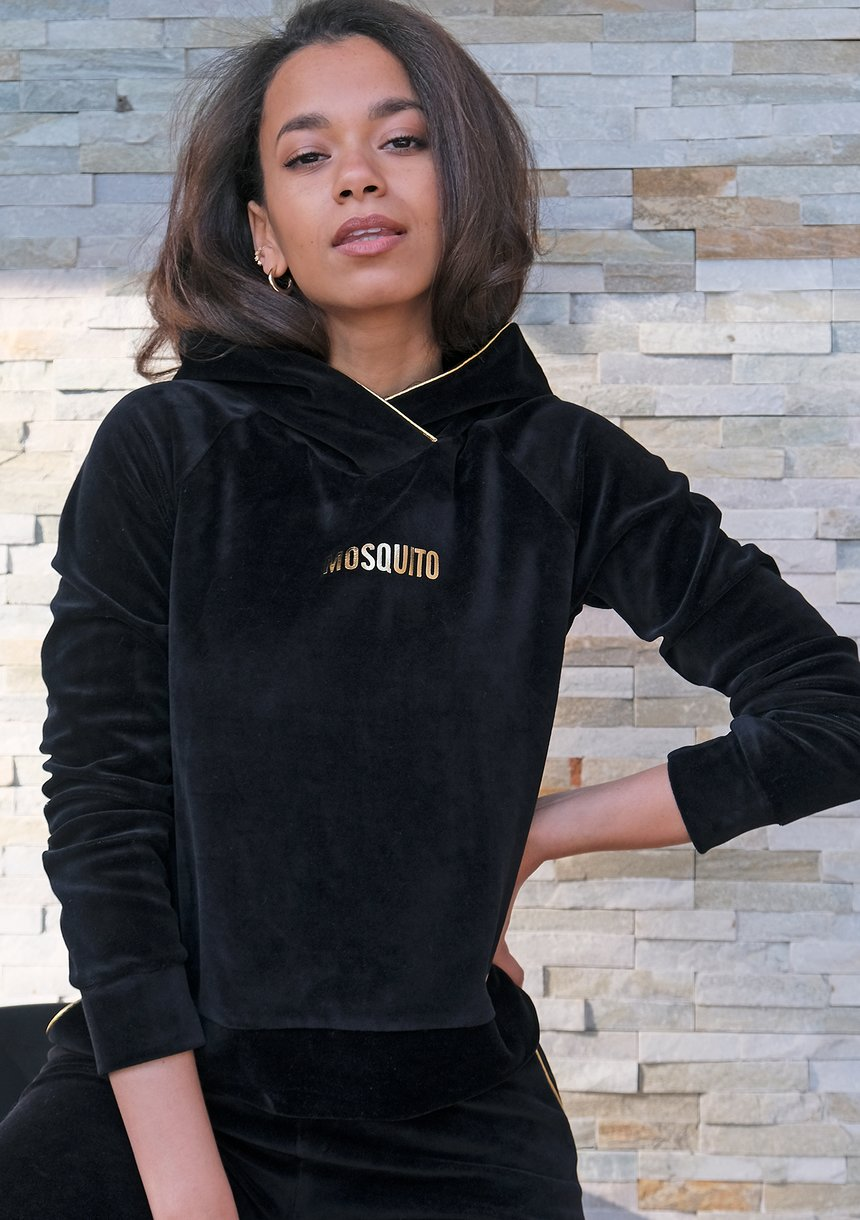 Bluza velvet z kapturem i złotymi detalami Czarna