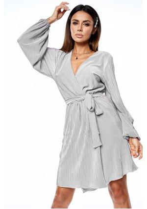 Kopertowa sukienka plisowana Silver