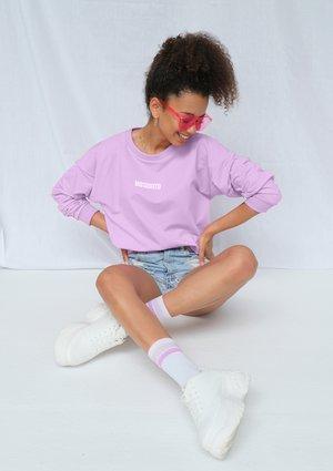 Bluza basic z logo lila ILM