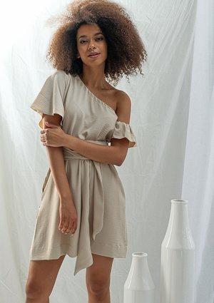 Asymetryczna sukienka z wiązaniem w talii beżowa