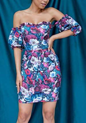 Off shoulders dress in tulips print