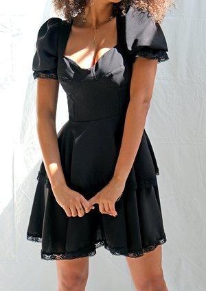Sukienka z dwóch kół z koronką