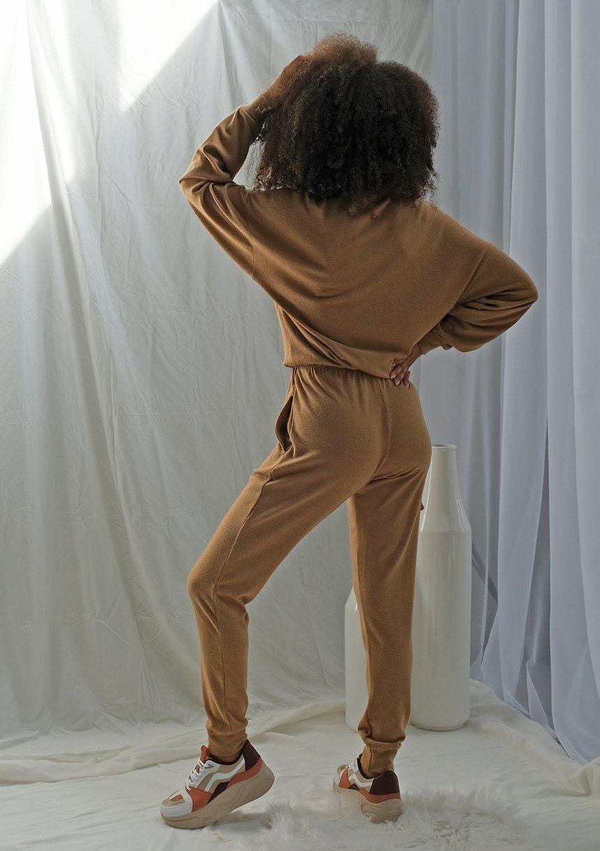 Miodowe spodnie z dzianiny sweterkowej ILM