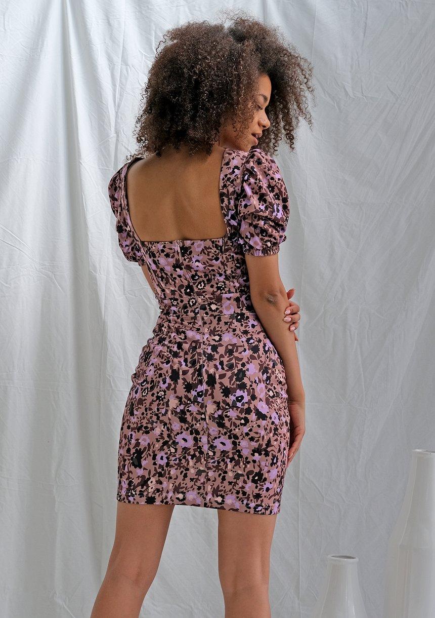 Dopasowana sukienka lila flower