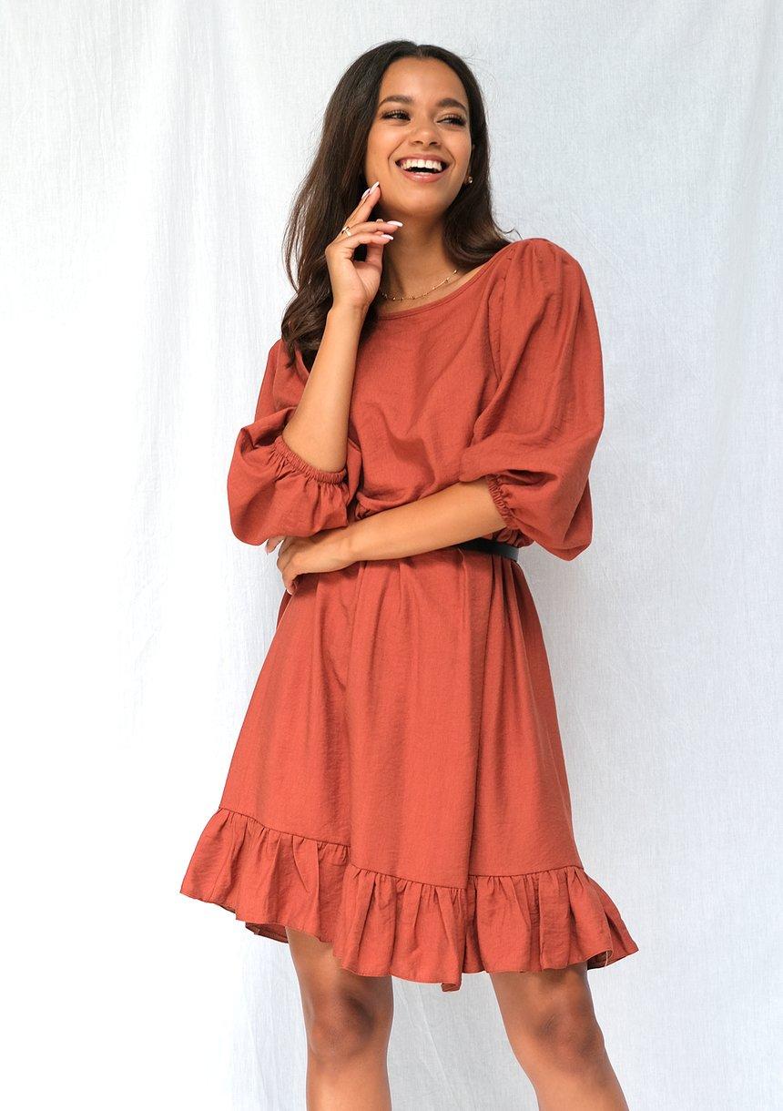 Jesienna sukienka z szerokim rękawem powder orange