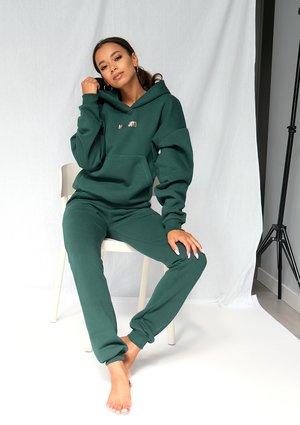 Dresowe spodnie Forest Green ILM