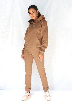Dresowe spodnie Carmel