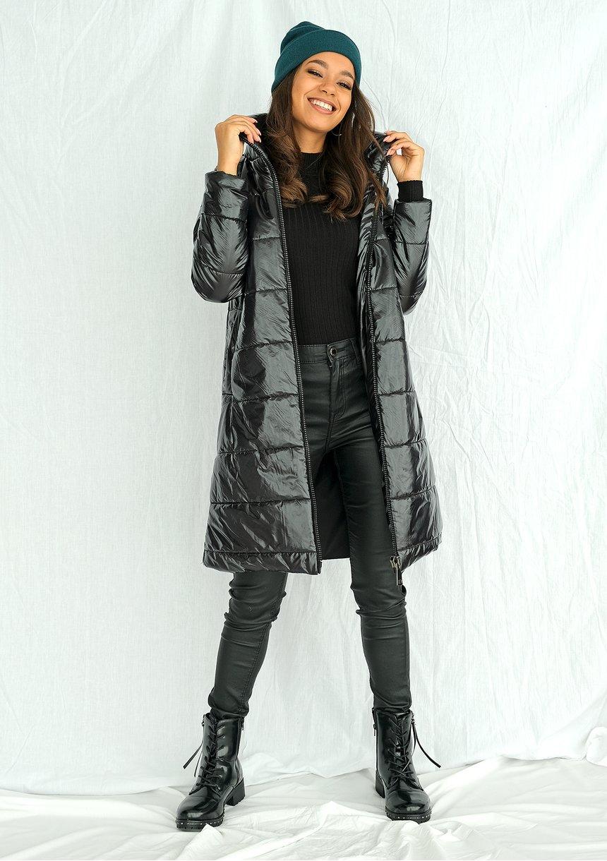 Pikowany płaszcz na stójce czarny ILM