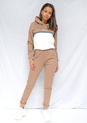 Dresowe spodnie coffe ILM