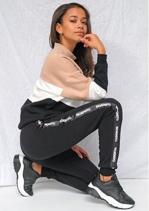 Dresowe spodnie z lampasami logo Czarne ILM