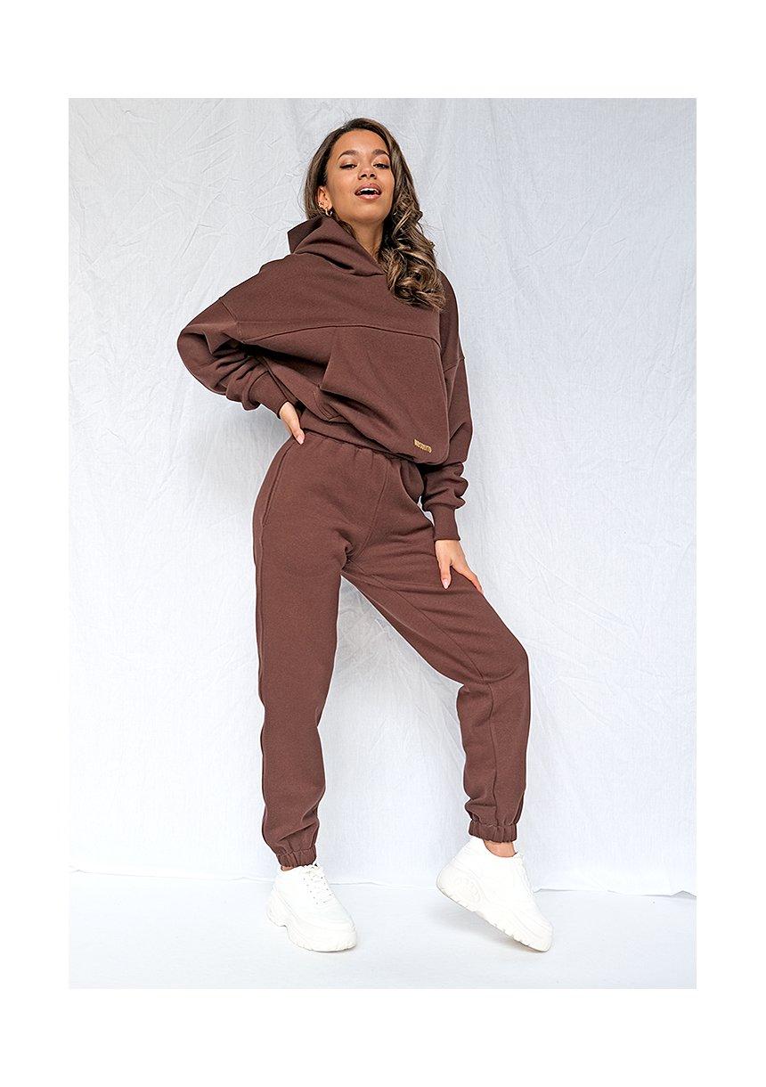 Dresowe spodnie o luźnym kroju Czekoladowe ILM