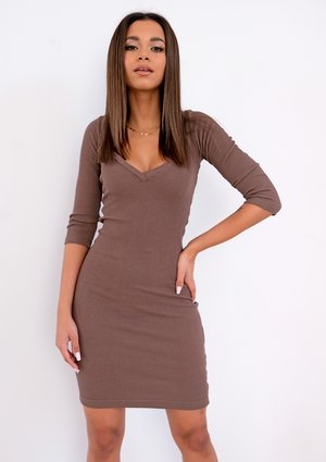 Mini brown ribbed dress
