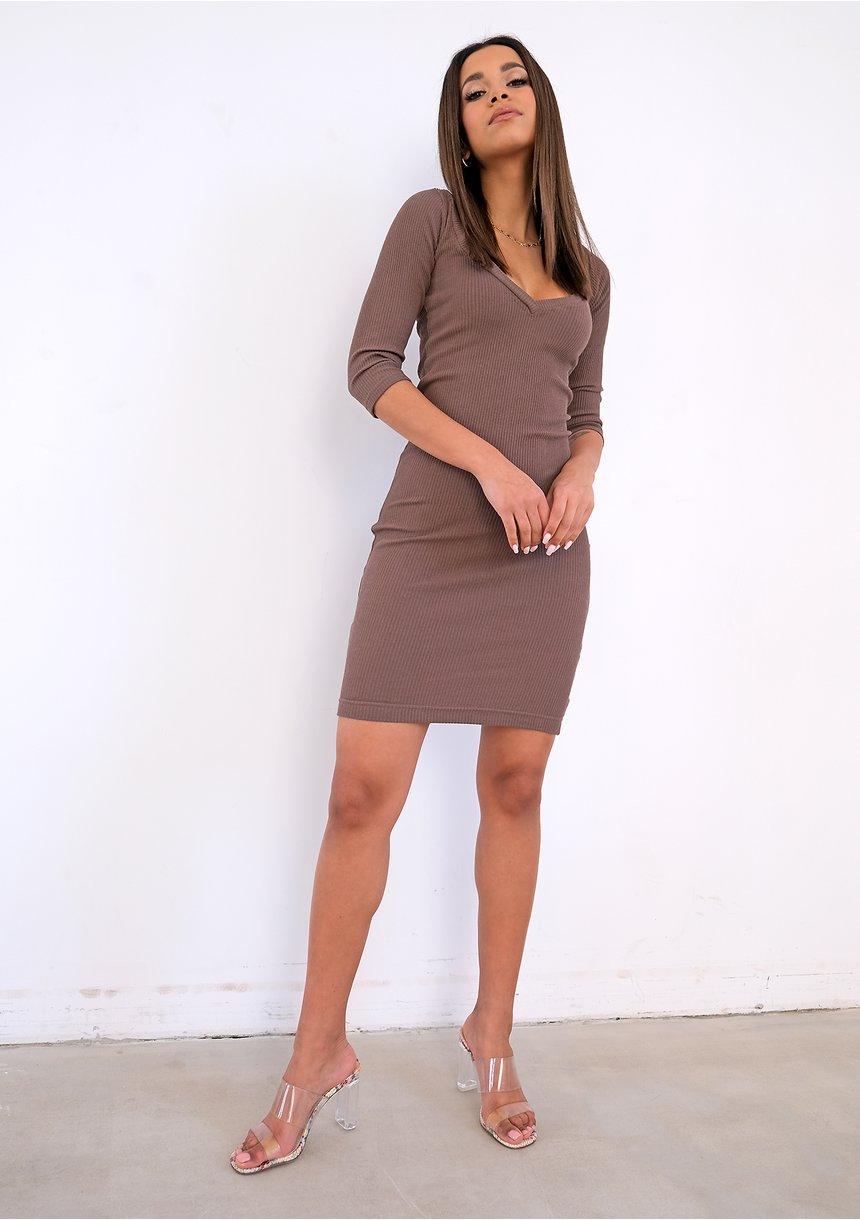 Brązowa prążkowana sukienka bodycon ILM