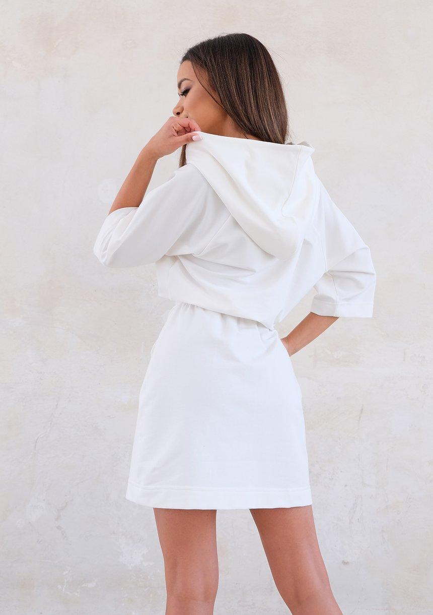 Kremowa sukienka dresowa z kapturem