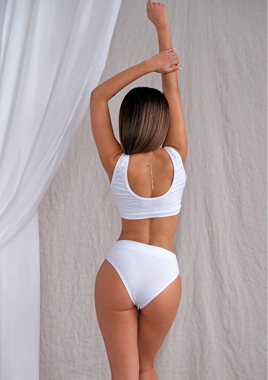 Top natural fit White